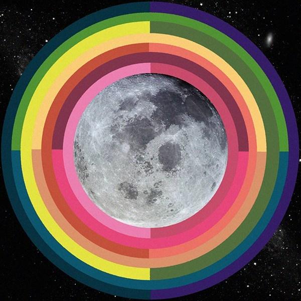 August2020FullMoonTarotscopes_MooninAquarius_OriginalArtowrkbySarahFaithGottesdiener_ModernWomen_ManyMoons_VisualMagic